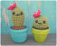 Three simple cacti designs that can be made in store bought pots or one that you crochet! This is a pretty quick, easy, beginner friendly pattern.