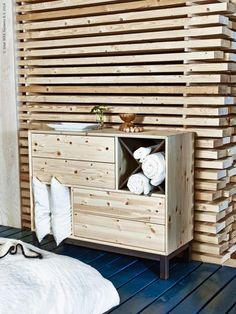 NORNÄS byrå 4 lådor/2 fack i obehandlad massiv furu och akrylfärg. B108×D40, H88 cm. Insats säljs separat.