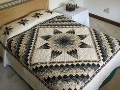 Black and Gold Lone Star Quilt Photo 1                                                                                                                                                     Más