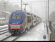 Shoving to DC in the snow, MARC 4911 pushes a service towards DC as the 2010 blizzard kicks up.