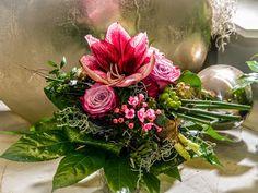 Hach, ein Farbtupfer! :-)  #Strauß #pink #Amaryllis #Wärme #Frühling #Aufatmen #Floristik  EBK-Blumenmönche Blumenhaus – Google+