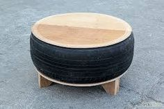 Make a Living Room Table from an Old Tire – Furniture Ideas Diy Furniture Table, Diy Furniture Plans, Old Furniture, Recycled Furniture, Furniture Design, Garden Furniture, Modern Furniture, Tire Seats, Tire Chairs