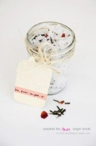 DIY luxurious cosmetics scrub with coconut, rose tea and sugar 4