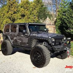 I'm liking this wrap on this jeep.