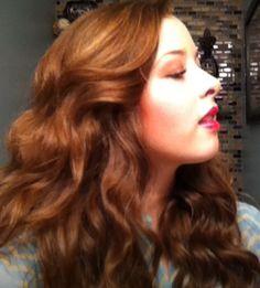 Hazelnut hair, red lips, green eyes, brown eyeshadow, pale fair skin, blue eyes