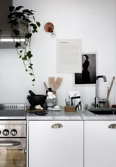 Small home, great style - via Coco Lapine Design Home & Kitchen - Kitchen & Dining - kitchen decor - http://amzn.to/2leulul