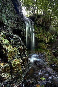 The Linn Cave, Bardowie, Scotland