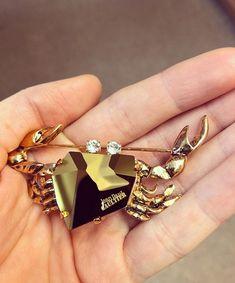 Jean Paul Gaultier special edition Swarovski crystal ♥️ crab brooch ♥️ swarovski crystals ♥️ summer jewelry ♥️ summer outfits Swarovski, Summer Jewelry, Jean Paul Gaultier, Crystals, Outfits, Outfit, Crystal, Crystals Minerals, Style