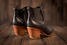 Black Leather Boots Great Heel. Our RAFA Boots are awesome. Check them online @froufroushoes  #froufroushoes #froufrou #boots #winter