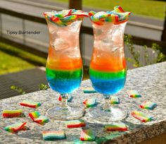 The Haribo Miami Frizz Cocktail - For more delicious recipes and drinks, visit us here: www.tipsybartender.com