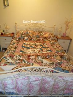 Feather On A Wire: Another fabulous Antique quilt to my small collection. PHOTO HEAVY