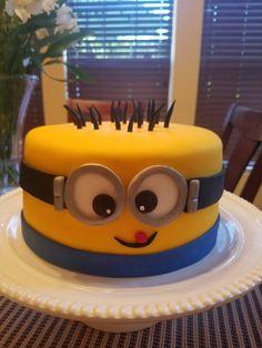 Chocolate minion cake !! Minions Birthday Theme, Minion Theme, 2 Birthday Cake, Minion Party, Torta Minion, Minion Cakes, Despicable Me Cake, Girl Cakes, Celebration Cakes