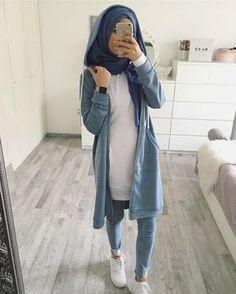 Pin by kadija abdi on hijab outfits in 2019 hijab fashion, c Modern Hijab Fashion, Street Hijab Fashion, Hijab Fashion Inspiration, Islamic Fashion, Muslim Fashion, Modest Fashion, Hijab Style, Casual Hijab Outfit, Hijab Chic