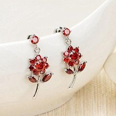 Fashion Crystal Sunflowers Platinum Plated Alloy Drop Earrings Earrings http://www.amazon.co.uk/dp/B00X9H7P5E/ref=cm_sw_r_pi_dp_rPhzvb0M21Q5D