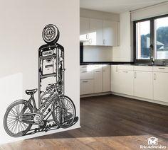 Vinilo decorativo Bicicleta sobre surtidor de gasolina #teleadhesivo #decoracion