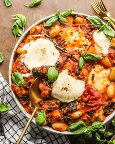Sausage and Spinach Gnocchi Bake - Britney Breaks Bread Baked Gnocchi, Gnocchi Recipes, Pasta Recipes, Bread Recipes, Dinner Dishes, Pasta Dishes, Main Dishes, Sauteed Spinach, Spinach Pasta