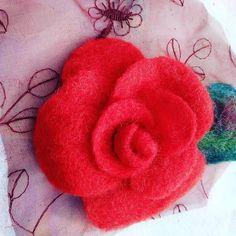 Rose Gift, Felt Brooch, Flower Brooch, Spring Flowers, Hair Pins, Crochet Earrings, Wax, Unisex, Brooches