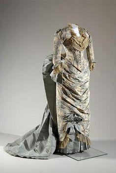 Dress    Charles Fredrick Worth, 1883    The Chicago History Museum