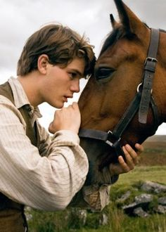 Colin O'Donoghue - Killian Jones - Captain Hook - Once Upon A Time Man On Horse, Cowboy Horse, Beau Film, Costume Rouge, Pixiv Fantasia, Horse Movies, Pur Sang, Kristin Scott Thomas, Horse Girl Photography