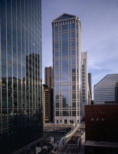 77 West Wacker Drive    Ricardo Bofill Architecture Workshop