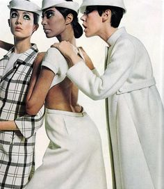Peggy Moffit and Moyra Swann by Bailey Vogue 1966