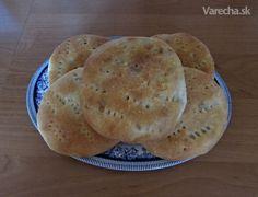 Pagáče plnené zemiakovou kašou (fotorecept) - Recept Bread, Food, Basket, Brot, Essen, Baking, Meals, Breads, Buns