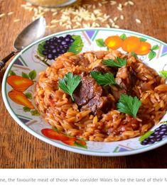 Αρνάκι γιουβέτσι. Ένα κλασικό, παραδοσιακό πιάτο για το Κυριακάτικο τραπέζι, αγαπημένο από μικρούς και μεγάλους. Μια απλή και εύκολη συνταγή, η συνταγή της