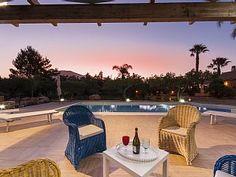 Villa Sterlizie:Con grande piscina e a pochi minuti dal mare   Case vacanze in Castellammare del Golfo da @homeawayitalia