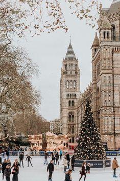 cozy christmas Weekday Wanderlust: Christmastime in London by Wish Wish Wish Christmas Feeling, Cozy Christmas, Christmas Time, Xmas, Holiday Time, Simple Christmas, Christmas Lights, Christmas Cookies, Vintage Christmas