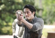Glenn Fires a Gun in The Walking Dead Season 6 Premiere.