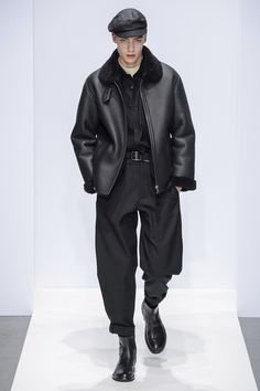 Margaret Howell Fall 2019 Ready-to-Wear Fashion Show - Vogue Men's Fashion, Fashion Show, Fashion Outfits, Fashion Design, Fashion Trends, London Fashion, Fashion Styles, Fashion Inspiration, Margaret Howell