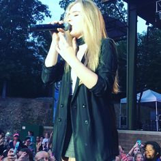 Whoever took this picture needs to become a photographer. Become A Photographer, Girl Meets World, Sabrina Carpenter, Disney Channel, Username, Evolution, Crushes, Singer, Actresses