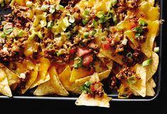 Überbackene Tortilla-Chips mit faschiertem und Tomatensalsa