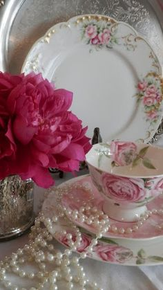Tea cups, Pearls and roses pure elegance.