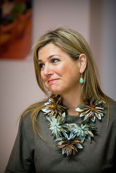 Queen Maxima visited the Dorpshuis Ons Genoegen at Nieuwer Ter Aa. Dutch Princess, Princess Mary, Nassau, Royal Jewelry, Jewellery, Crystal Jewelry, Jewelry Art, Silver Jewelry, Crown Princess Victoria