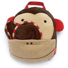 Gdy zrobi się chłodniej, poduszka zamienia się w kocyk z mini-podusią w rogu. Skip Hop Koc Zoo Małpka MiniPodróżnik