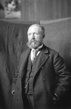 Portrait of R.S. (Robert Swain) Gifford, glass plate positive, New Bedford Whaling Museum.