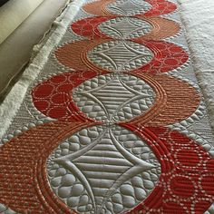 Mini Runner pattern. This pattern is included with the QCR Mini Ruler :-) #sewkindofwonderful #QCRmini #modernquilts