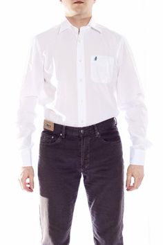 camicia #MCS in tinta unita vestibilità slim  Bella camicia in cotone elasticizzato dalla vestibilità asciutta e dal gusto pulito, comoda anche da indossare sotto le nostre maglie nei filati leggeri e colorati.     $123