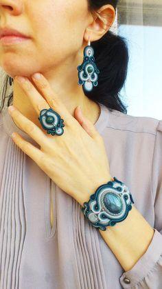 Soutache set: bracelet ear-rings and ring The Arctic por JaneSumina