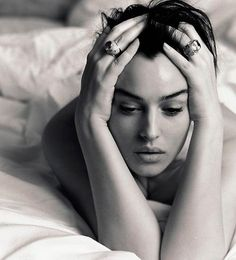 Monica Bellucci - by Michel Comte in Berlin Monica Bellucci, Photographie Portrait Inspiration, Italian Actress, Beautiful Actresses, Black And White Photography, Portrait Photographers, Girl Photos, Beauty Women, Photography Poses