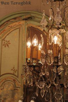 Franse kroonluchters en Franse brocante te koop bij DEN TERUGBLIK French Romance, Victorian Decor, Vintage Chandelier, Candelabra, To My Daughter, Chandeliers, Clocks, Vintage Antiques, Mirrors