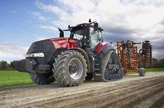 Tractor of the Year 2015 na targach AGROTECH  Magnum 380 CVX firmy Case IH zdobył prestiżową nagrodę ekspertów