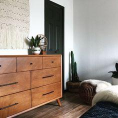 Home Interior Decoration Ideas Vintage Bedroom Furniture, Design Furniture, Bedroom Vintage, Furniture Buyers, Furniture Websites, Furniture Stores, Apartment Furniture, Apartment Interior Design, Interior Paint