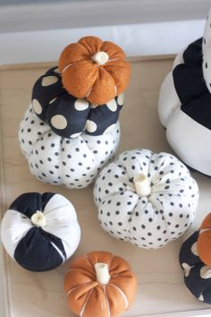 Love these fabric pumpkins from the Allison show:)