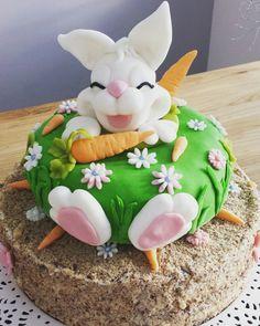 Mrkvový dort se zajíčkem Eggs, Breakfast, Cake, Desserts, Food, Morning Coffee, Tailgate Desserts, Deserts, Kuchen
