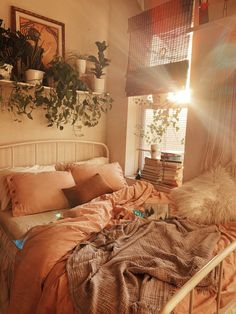 14 Fabulous Rustic Chic Bedroom Design and Decor Ideas to Make Your Space Special - The Trending House Room Ideas Bedroom, Home Bedroom, Bedroom Inspo, Bedrooms, Fall Bedroom, Bedroom Decorating Ideas, Bedroom Inspiration Cozy, Design Inspiration, Decor Ideas