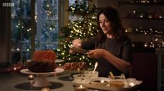 Simply Nigella's Christmas Special made everyone obsessed with the word 'bundt'   BT Nigella Lawson Christmas, Nigella Kitchen, Simply Nigella, Cooking Tv, Mary Berry, Tasty, Yummy Food, Christmas Cooking, Pavlova