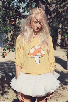 Fairyland Monte Crop Sweater http://spotpopfashion.com/users/yaya
