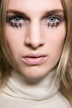 23 Halloween beauty ideas inspired from the runway: